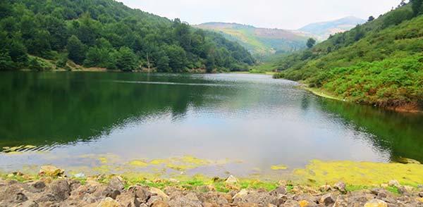 دریاچه روستای صمدآباد