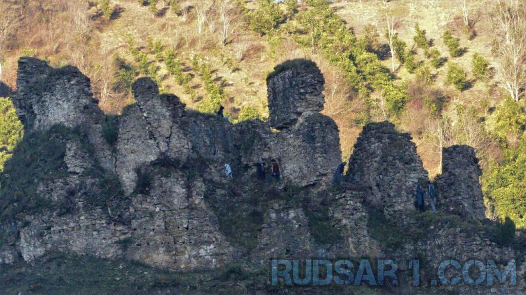 قلعه گردن در رحیم آباد