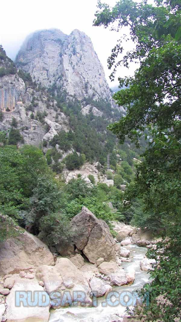 مسیر راه مالرو صخره های سی پرد